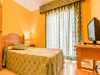 Hostal Buenos Aires - 201 - Deluxe Single Room With Balcony - Tremp vacation rentals