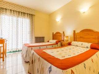 Hostal Buenos Aires - 205 - Twin Room With City View - Tremp vacation rentals