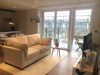 Newly refurbished 2bed/2bath in Angel/Old Street - London vacation rentals