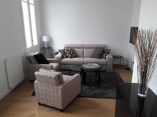 BEAU 2 PIECES 43 M2 CONFORTABLE ET  LUMINEUX BORDEAUX CHARTRONS - Bordeaux vacation rentals