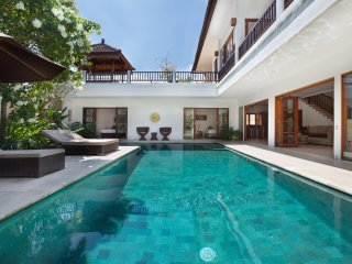 Temple Estate; 6 Bedrooms, Echo Beach, Canggu - Canggu vacation rentals
