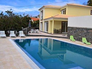 Villa Dubai in Madeira - Arco da Calheta vacation rentals