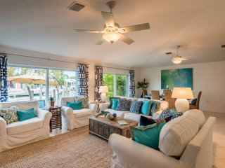 New Listing-Waterfront Beach Villa 3BR w/Cabana Club. Private boat charter - Key Colony Beach vacation rentals