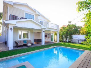 4 bedroom Villa with Shared Outdoor Pool in North Hollywood - North Hollywood vacation rentals