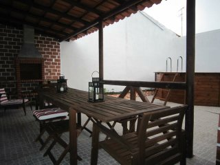 Cozy Villa with Internet Access and Television - Mourao vacation rentals