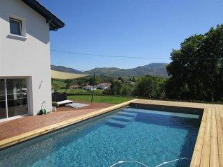 Legarcia 2 - des vacances de rêve dans un cadre verdoyant - Urrugne vacation rentals