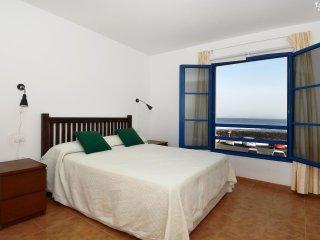 3 bedroom Villa with Internet Access in Caleta de Famara - Caleta de Famara vacation rentals