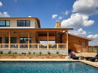 Remarkable Cabins Vacation Rentals In Wimberley Flipkey Interior Design Ideas Oteneahmetsinanyavuzinfo
