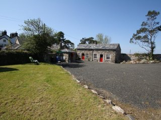 Nice Cottage with Satellite Or Cable TV and Parking - Portrush vacation rentals