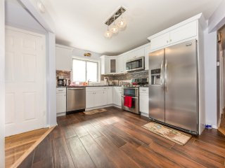 Nice Condo with Internet Access and A/C - Cambria Heights vacation rentals