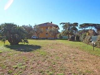 Spacious 4 bedroom House in Marina dei Ronchi - Marina dei Ronchi vacation rentals