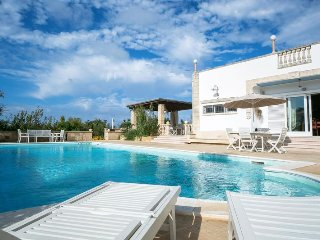 Lovely 3 bedroom Vacation Rental in Torre Suda - Torre Suda vacation rentals