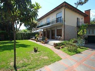 Marina Di Pietrasanta - 2032001 - Marina Di Pietrasanta vacation rentals