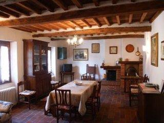 Charming 3 bedroom Farmhouse Barn in Villa Basilica - Villa Basilica vacation rentals