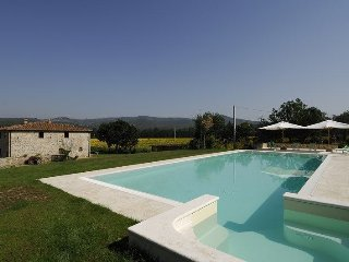Beautiful 5 bedroom Villa in Levane - Levane vacation rentals