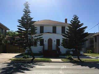 WHITE HOUSE BY THE PLEASURE PIER - Sleeps 28 - 30 - Galveston vacation rentals