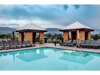 Kelowna Near Beach, Playa Del Sol, Sleeps 4 + - Kelowna vacation rentals