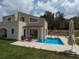Brand new 3 bedroom villa, private pool & BBQ  with stunning views! - Margarites vacation rentals