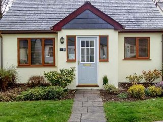 LILYVALE, detached, ground floor, garden with furniture, on-site tennis, near Camelford, Ref 925930 - Camelford vacation rentals