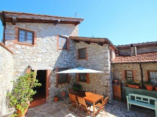 Perfect 3 bedroom House in Migliano - Migliano vacation rentals