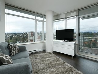 view,luxury waterfront condo for family or group by the skytrain - New Westminster vacation rentals