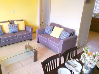Cozy 2 bedroom Apartment in Tamuning with Washing Machine - Tamuning vacation rentals