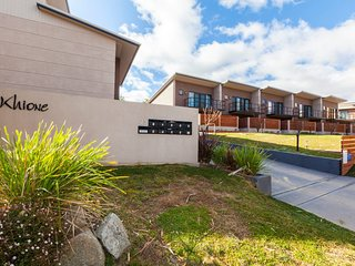 Khione 6 - Modern 2 bedroom Townhouse - Jindabyne vacation rentals