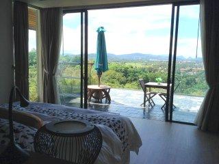 SELMI's White Monkey Villa - SUITE - Kuala Teriang vacation rentals