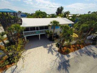 Blue Dolphin Inn - Skimmer Dow ~ RA144444 - Anna Maria vacation rentals