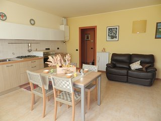 2 bedroom Condo with Shared Outdoor Pool in Salionze - Salionze vacation rentals