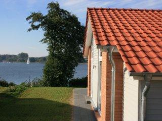 Ferienhaus Marina Hülsen - Das Weidenuferhaus - Rieseby vacation rentals