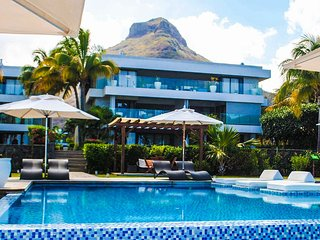 Leora Beach Luxury Suite by Dream Escapes - Riviere Noire vacation rentals