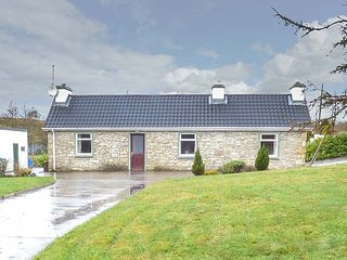 CLAIRES COTTAGE, character, countryside views, all ground floor, near Donegal - Donegal vacation rentals