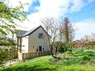 WOODVILLE COTTAGE, private garden, pet-friendly, WiFi, nr Craven Arms, Ref - Craven Arms vacation rentals