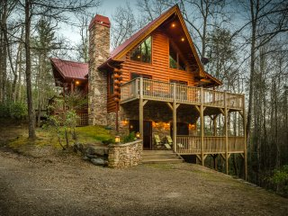 Walnut Hills - Private with creek! - Franklin vacation rentals