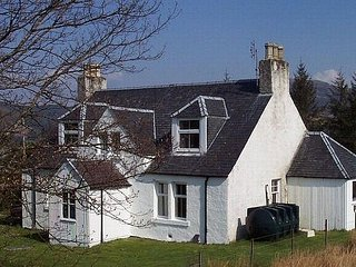 A traditional old Scottish Highland house welcomes you - Kyle of Lochalsh vacation rentals