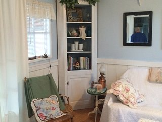 Sweet Shoreline Madison summer cottage for rent - Madison vacation rentals