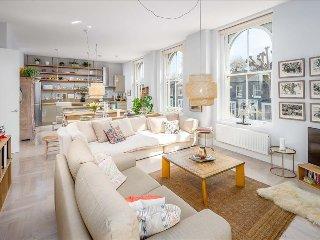 Stylish 2BR Victoria park Apartment - London vacation rentals