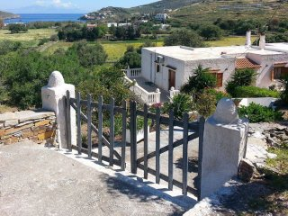 Cozy 2 BR house with a view to the sea - Otzias vacation rentals
