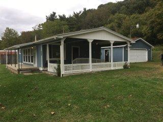 Blue Jay Cabin 1st Choice Cabin Rentals Hocking Hills Ohio - Nelsonville vacation rentals
