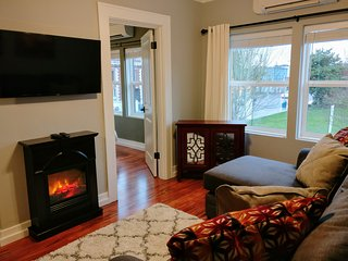 Charming Condo with Internet Access and A/C - Newberg vacation rentals