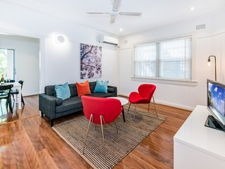 Bright 2 bedroom Villa in Randwick - Randwick vacation rentals