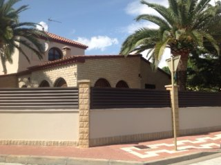 167-BONAVENTURA 3. Individual house 50m from the beach. - Cambrils vacation rentals