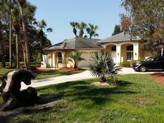 Villa Glenn ! LAST MINUTE PRICE - Lehigh Acres vacation rentals