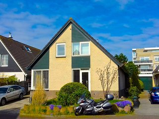 Comfortable House 27 km from Amsterdam Airport - Leiderdorp vacation rentals