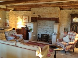 Charming stone cottage set in beautiful countryside - Rouffilhac vacation rentals