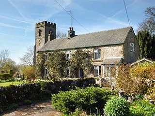 CHURCH VIEW, detached, 2 bedrooms, extensive gardens, in Biggin, Ref 952294 - Biggin-by-Hartington vacation rentals