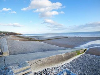 Glan Y Mor, ground floor apartment, pet-friendly, close to beach, Ref 954757 - Amroth vacation rentals