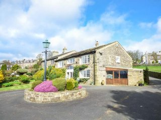 THE BARN, converted barn, three bedrooms, garden, Haworth, Ref 954877 - Laycock vacation rentals