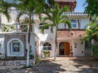 Buen Dia Playa luxury villa mexican style pratically front beach - Playa del Carmen vacation rentals